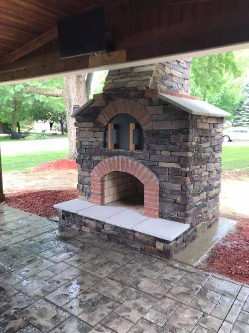 Outdoor Fireplaces and Pizza Ovens